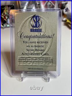 1997 Score Board Red Kobe Bryant Los Angeles Lakers HOF Signed AUTO BLUE INK