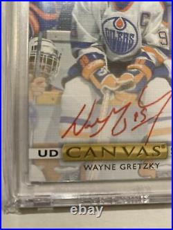 Wayne Gretzky 2019-20 UD Clear Cut Red Ink Auto Canvas Signatures 22/99 On Card